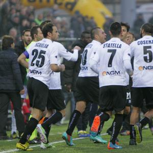 I Leoni dopo il gol all'Avellino (Foto Ivan Benedetto)