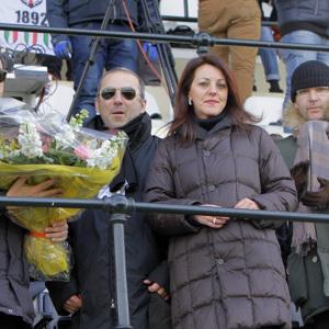 Il presidente Secondo con la famiglia Opezzo e l'assessore Gianmario Demaria (Foto Ivan Benedetto)