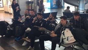 La squadra in aeroporto (Foto Fc Pro Vercelli)