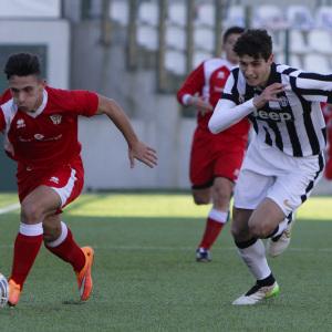 Immagine della gara tra Pro Vercelli e Juventus Allievi Nazionali (Foto Ivan Benedetto)