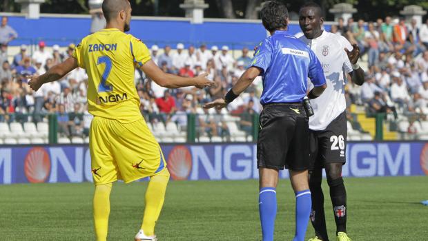 Mohamed Coly e Zanon del Frosinone (Foto Ivan Benedetto)