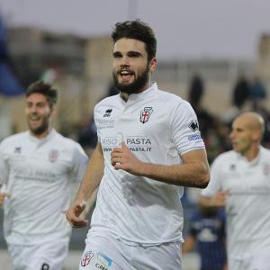 Giacomo Beretta esulta dopo il gol a Latina (Foto Ivan Benedetto)