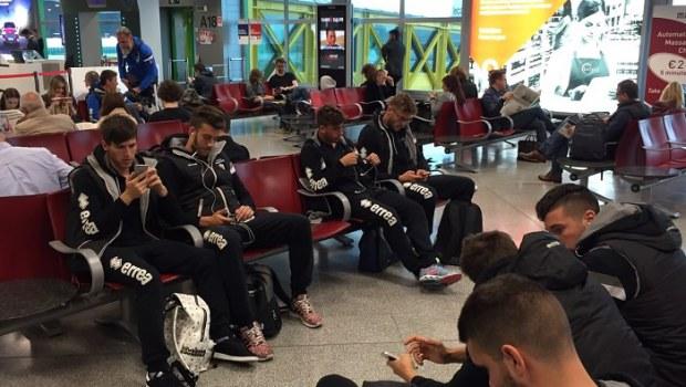 I giocatori in aeroporto