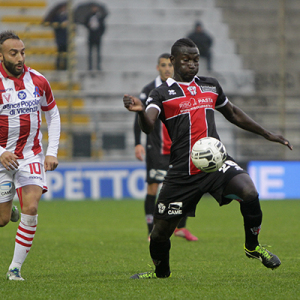 Mohamed Coly contro il Vicenza (Foto Ivan Benedetto)