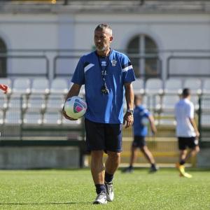 Mister Scazzola in allenamento (Foto Ivan Benedetto)