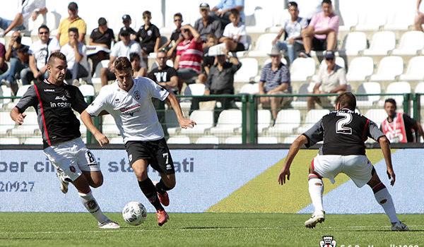 Massimiliano Gatto contro il Lanciano (Foto Ivan Benedetto)