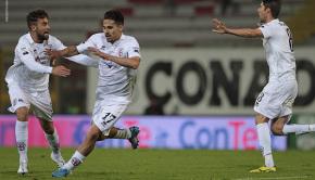 Ardizzone esulta per il gol al Perugia (Foto Ivan Benedetto)