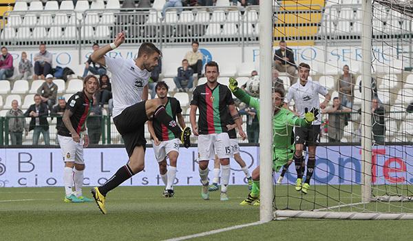 Il gol di Legati alla Ternana (Foto Ivan Benedetto)