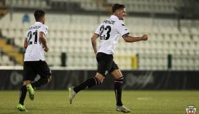 Firenze esulta per il gol al Lecce (Foto Ivan Benedetto)