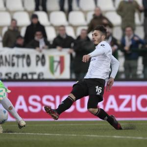 Il gol di Bifulco all'Ascoli (Foto Ivan Benedetto)