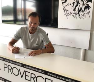 Gilardino firma contratto